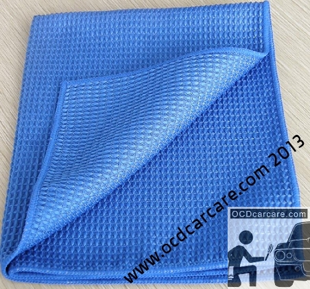 MIcrofiber towel waffle weave pile: waffle pattern makes it ideal for trapping dirt during glass cleaning in auto care. - www.ocdcarcare.com